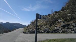 Kjør inn veien her