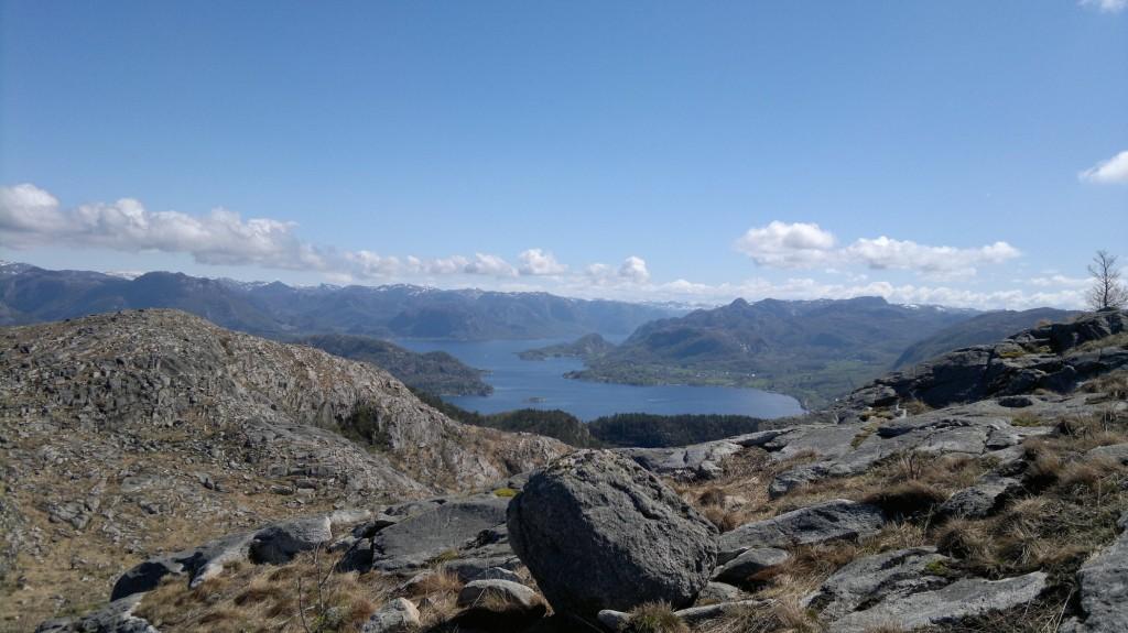 Mot Høgsfjord