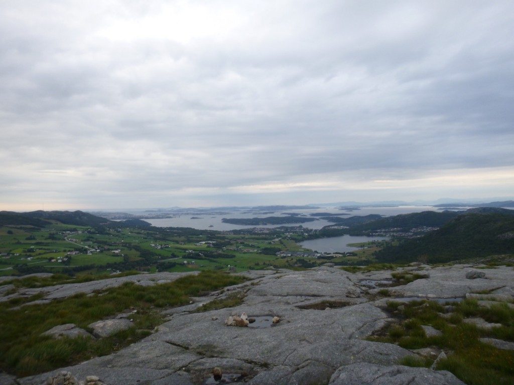 Helt bakerst ligger Karmøy