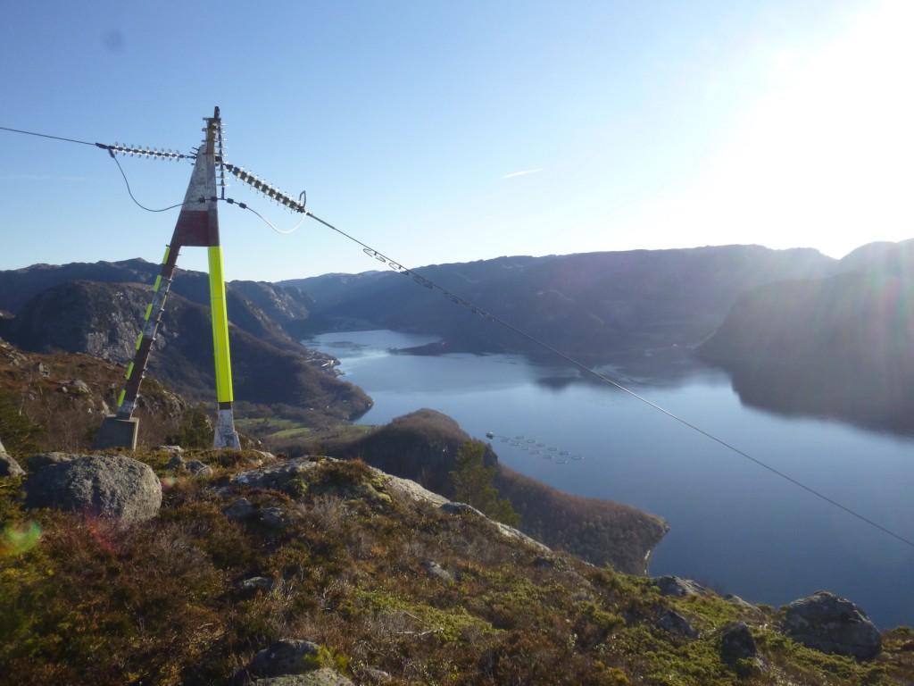 Master for strømkabler over Høgsfjord