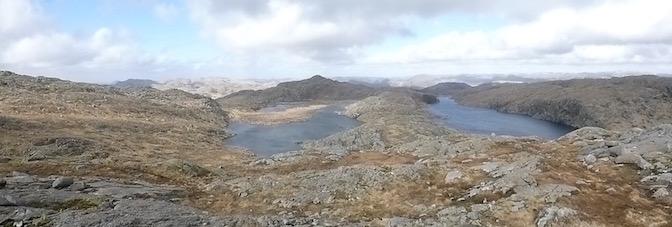 Hellevatnet til venstre på bildet, Nåselvatnet til høyre