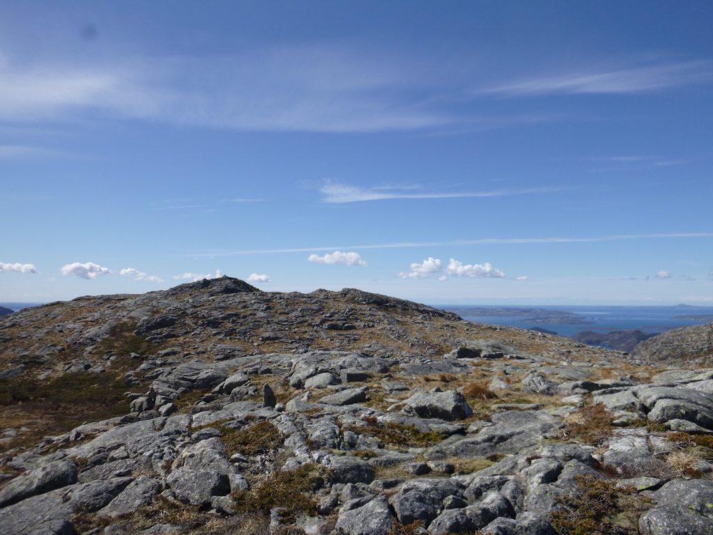 Blankt fjell på toppen