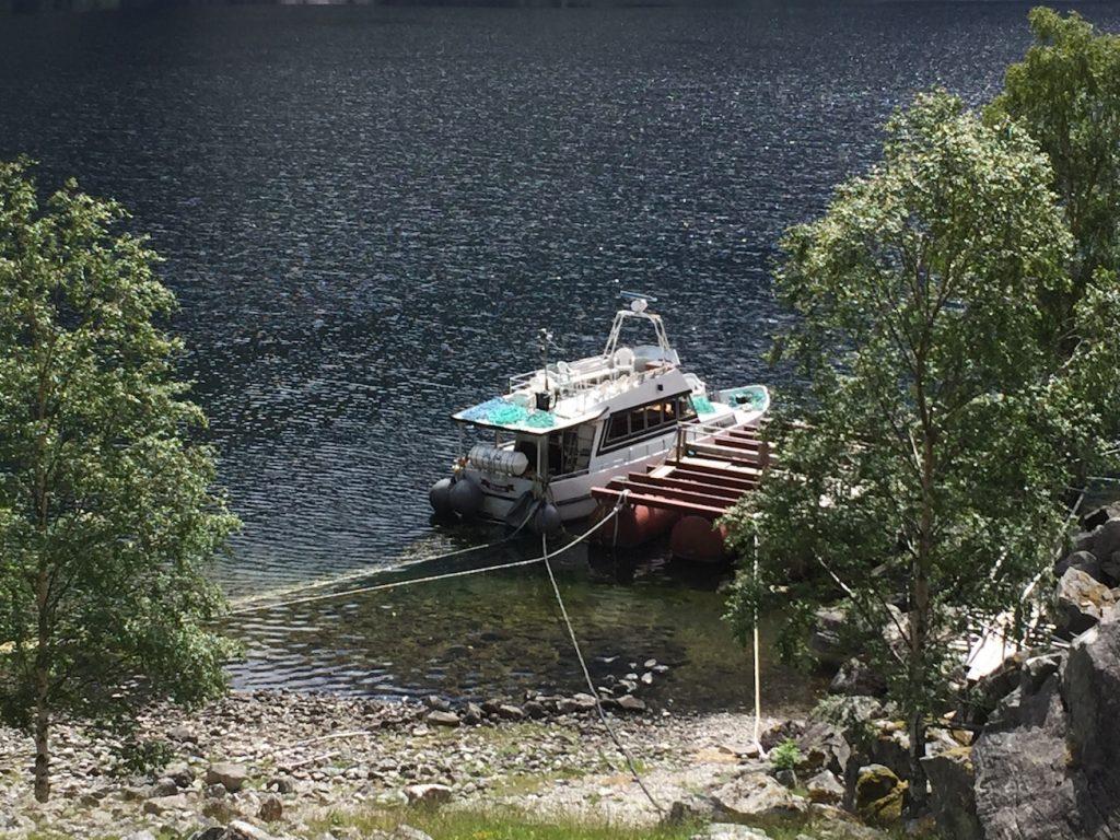Større grupper kan hentes i båt mot bestilling