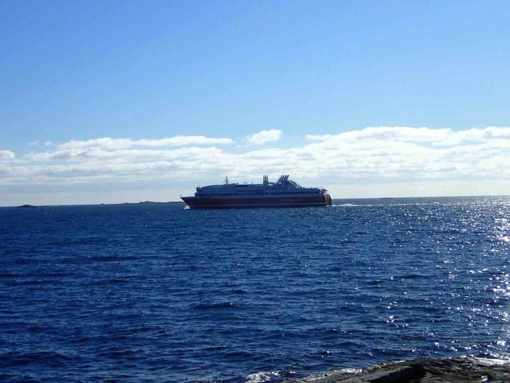 Danmarksbåten seilte forbi oss