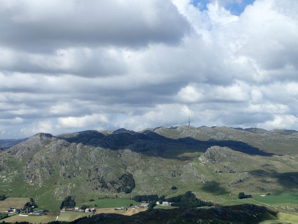 Bjerkreimsenderen i det fjerne